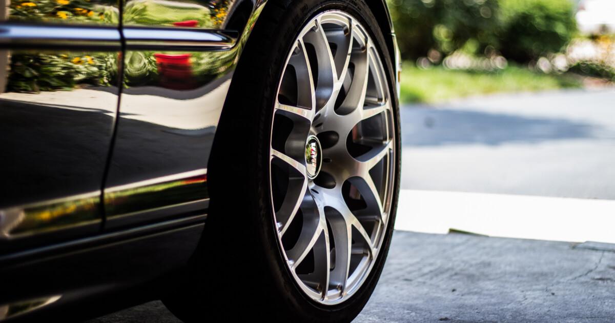 laga punktering bil pris