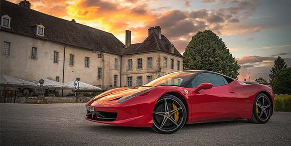 bilförsäkring för Ferrari
